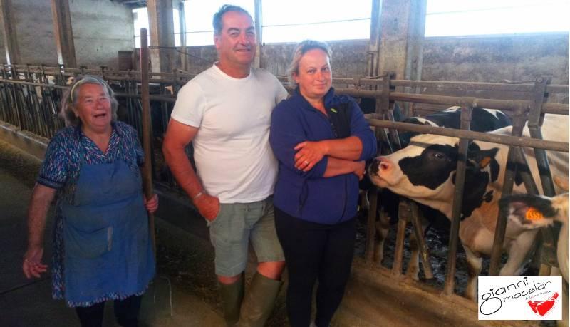 Famiglia di allevatori di cameri: Giancarlo, Franca e Maria